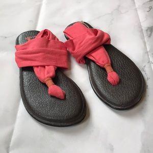 Sanuk Yoga Mat slingback coral Sandals Size 7